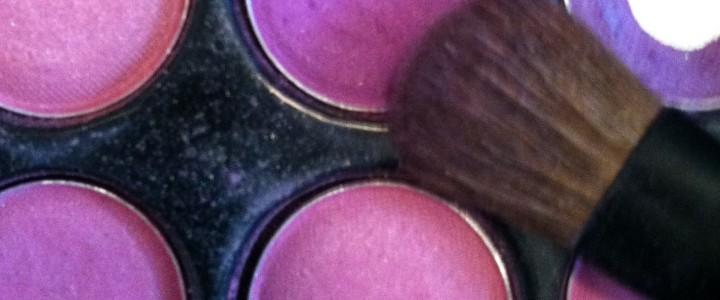 Hochzeitsschminke mit violetten Smoky Eyes – DIY